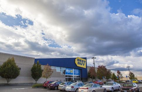 Best Buy Retail shopping center Oregon
