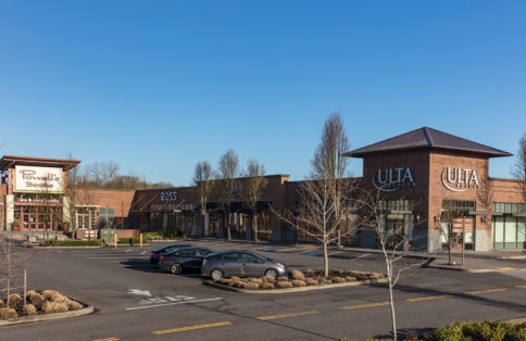Retail shopping center Oregon